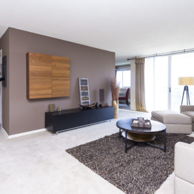 One bedroom apartment with a washer and dryer in Silver Spring MD